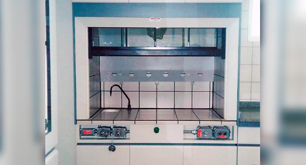Mobiliários para Laboratórios do Ramo Petroquímico